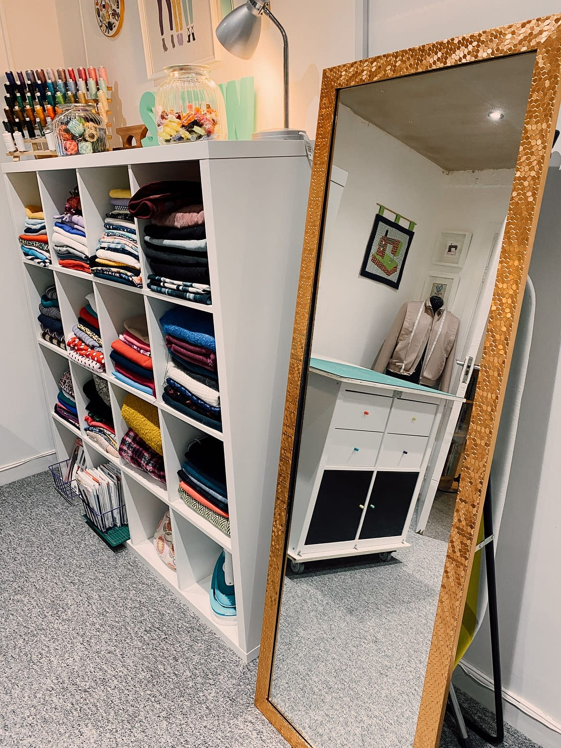 Mirror-The-Stitch-Sisters-New-Swing-Room