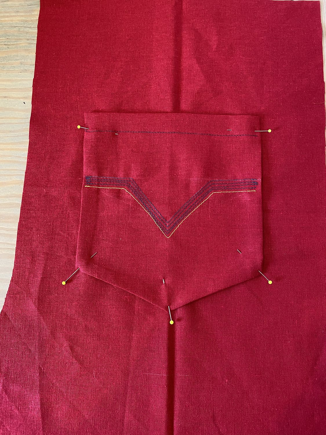 DIY-Dungaree-Overalls-Tutorial-attaching-your-pockets